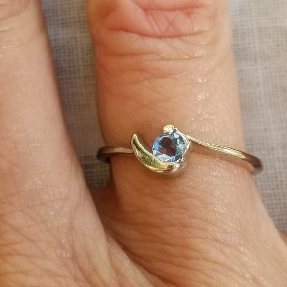 Jewelry - Silverplated aquamarine cubic zirconia ring 7.5